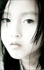 Something beautiful. (zemotion) Tags: light portrait white beauty asian photography eyes yang seven highkey somethingbeautiful zemotion alemdagqualityonlyclub alemdaggoldenaward