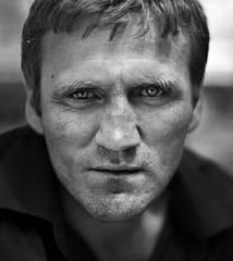 Gabriel (Mute*) Tags: portrait bw gabriel intense streetportrait superfantastique intensity canonef50mmf14usm chessmaster
