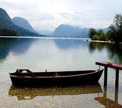 La barque et le lac
