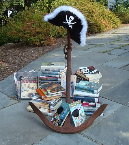 Pesky Piles of Pirate Booty. Par Pesky Library. CC-BY-NC-ND. Source : FlickR.