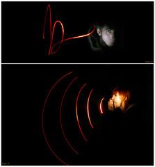 Luminogrames. (isaac Claramunt.) Tags: rojo vermell grito lighpainting escuchar escoltar cridar luminogrames