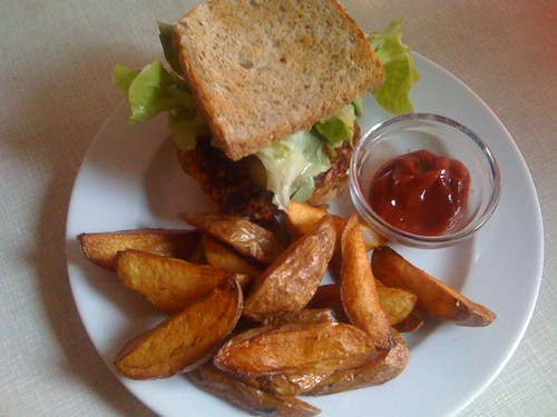 Veggie Burger and Potato Wedges from Hans Wurst