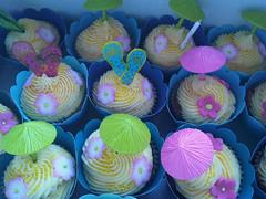Hawaiian style cupcakes (Suzanne's Bespoke Bakery) Tags: cake cupcakes cookie dress luggage luau suitcasecake