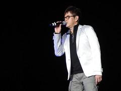 DSC01399 (JasperYue) Tags: music concert mr taichi 2011 alantam 譚詠麟 joeltang 太極樂隊