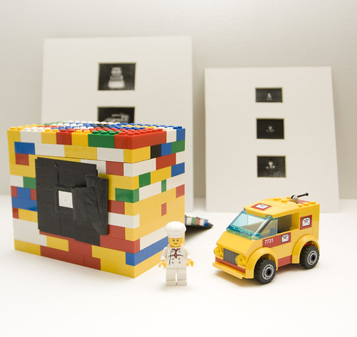 My LEGO pinhole camera with LEGOs