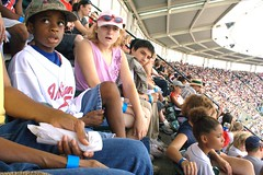 20070812_IMG_0779.CR2 (Wilbur Young) Tags: usa english america baseball earth cleveland clevelandohio angels northamerica fans universe jacobsfield ballpark wilburyoung theclevelandindians