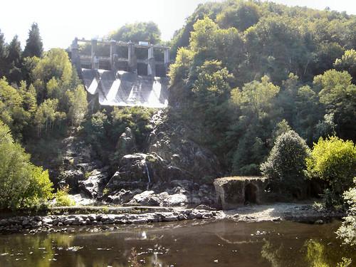 Les vannes du barrage d'Eguzon