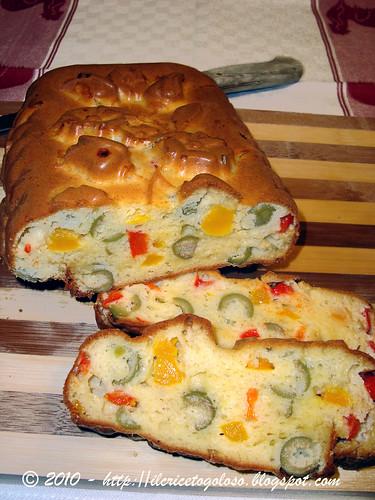 Cake alle olive e peperoni 3