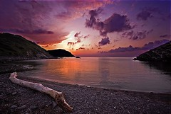 Puesta de sol en Ets Alocs (Menorca) (alfonstr) Tags: sunset mountain water atardecer mar agua pentax sigma playa nubes puestadesol montaa 1020 breathtaking aigua menorca cala muntanya platja 2007 nuvols postadesol alfons flickrsbest sigmaaf1020mmf456exdchsm k10d anawesomeshot colorphotoaward ltytr1 alfonstr etsalocs