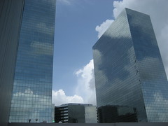 Clouds and Sky (.imelda) Tags: plaza blue sky reflection building glass oneaday texas houston explore photoaday 365 greenway pictureaday imelda blueribbonwinner bettinger project365 explored 25faves abigfave anawesomeshot flickrenvy project36578 imeldabettinger onlythebestare project365061907 exploredjune19