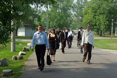 Walking to Algonquin Island (deanna_and_duncan) Tags: toronto steve weding lilla