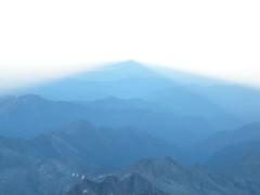 ombre sulla pianura padana (Lo6ra) Tags: parrot monterosa regina lys alpi montagna jamboree margherita colle salati gnifetti zumstein lyskamm