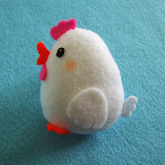 Pocket Chicken (Crafting 365, Day 14) (Eskimimi) Tags: uk chicken animal toy stuffed felt plush plushie etsy