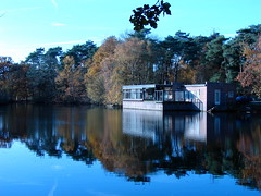 Holland - Lake side house (ajaynmurthy) Tags: holland netherlands eindhoven dsch2