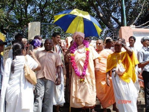 H H Jayapataka Swami in Tirupati 2006 - 0049 por ISKCON desire  tree.
