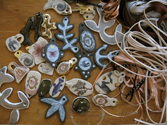 work table (miss Tempel) Tags: ceramic handmade oneofakind jewels hangers necklaces bangles pendants keramiek transfers halsketting bengels handgemaakt ateliertempel bedels