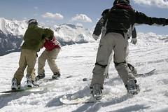 Kampf um die Spitze oder Hndchenhalten? (nihilistenrauris) Tags: rauris nihilisten boardercross2007