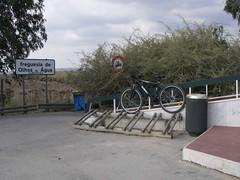 Mais bike racks, estes mesmo junto à praia