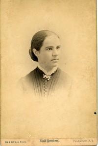 Antonia Maury's 'photograph card' in her senior year at Vassar