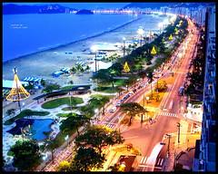 Anoitecer em Santos - SP (j.guilherme_23) Tags: pordosol cidade praia natal santos movimento luzes anoitecer entardecer anoitecendo baixadasantista baixada luzesdacidade orladapraia orladesantos santosnatal