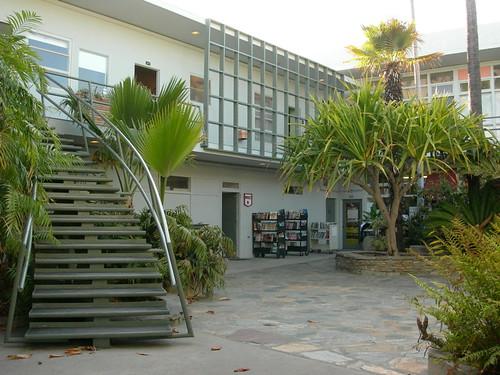 Duttons Courtyard