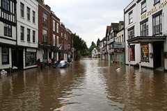 Flooding in Tewkesbury, July 2007 (abbeyman2002) Tags: flooding floods tewkesbury