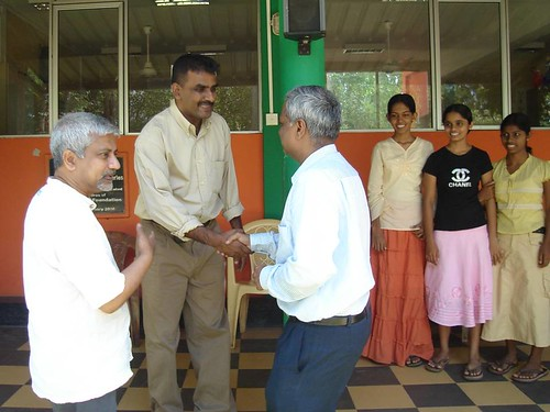 Prof. Jhunjhunwala visits Mahawilachchiya