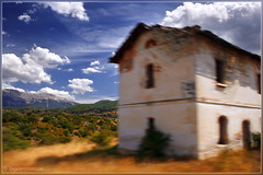 Moving Landscape (lorenzaccio*) Tags: old trees italy house blur mountains grass alberi clouds photoshop montagne canon landscape eos casa movement italia nuvole blurred erba movimento polarizer soe paesaggio abruzzo takenfromatrain vecchia sfocato sfocatura lorenzaccio polarizzatore nohdr 400d shieldofexcellence aplusphoto superbmasterpiece a3b fattadaltreno