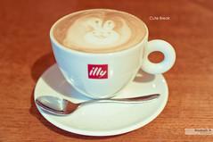 Cute Break (Monirath Nuit) Tags: cute rabbit coffee caf japan 35mm tokyo nikon break sweet harajuku nikkor capuccino d5000