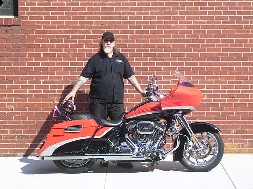 Rick Doss Updates Harley's Road Glide with Suspension Technologies Shocks