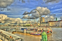 London Eye, Extreme HDR (Borretje76) Tags: uk blue white london eye water netherlands dutch thames clouds iso100 boat dock sony extreme londoneye enschede hdr twente londen f63 photomatix tonemapped dslra300 sonya300 gupr borretje76