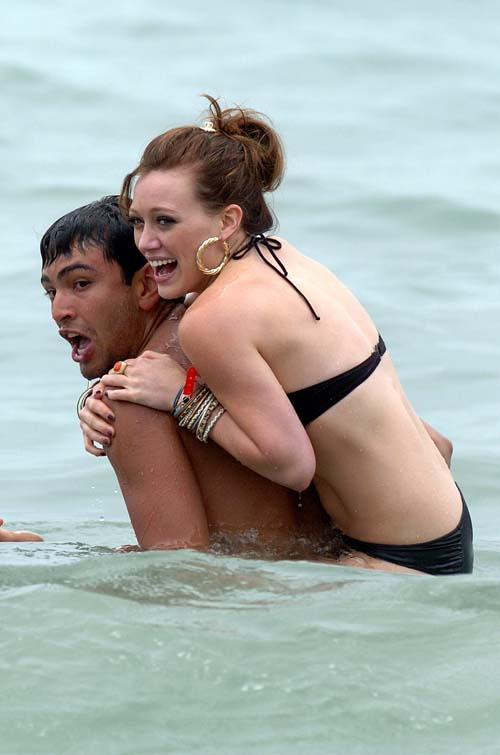 hilary-duff-beach-bikini-131