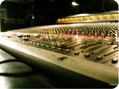 Mesa de sonido o consola como sea!!! - by shispop