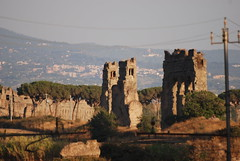 'li Castelli (il_rinforzino / Topo Zorro) Tags: rome roma trash ruins aqueduct rubbish archeology rovine castelliromani parcodegliacquedotti rionalgeographic ilrinforzino yourcountry