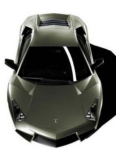 Lamborghini_Reventon-05