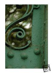 fer forg (chacom comcha) Tags: photographie jardin vert fer forg