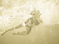 achatka underwater (kubais) Tags: pentax optio f42 iso50 w60 gupr