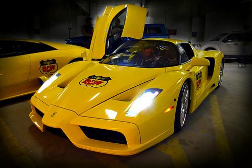 Фотки желтого Феррари (ferrari) F60 Enzo