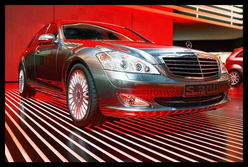 Mercedes-Benz S300 Bluetec Hybrid by Jörg Dickmann.