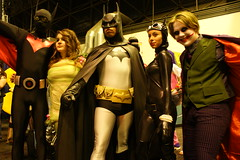 DSC06962 (earlmadness) Tags: new york robin costume kid floor cosplay ivy creepy madness convention comiccon catwoman con