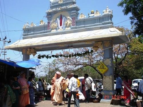 H H Jayapataka Swami in Tirupati 2006 - 0024 por ISKCON desire  tree.