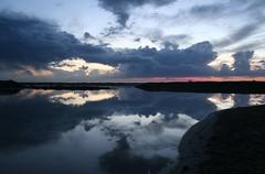 paesaggi fluidi (miluzza) Tags: tramonto nuvole mare cielo maredinverno mieiocchi miluzza impaginando mnadivecchiano paesaggifluidi lamigliorfotodi milasavi