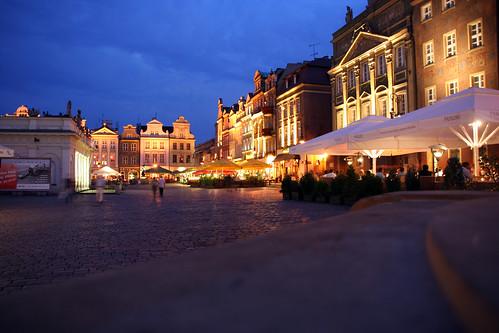 Plaza del mercado de Poznan by jtoledo.
