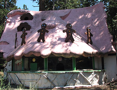 Gingerbread House - Santa's Village (Vintage Roadside) Tags: california santa abandoned amusementpark roadsideattraction lakearrowhead defunct santasvillage skyforest vintageroadside