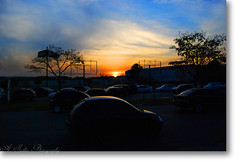 ~sky~cars~blue~ (Anderson Sutherland) Tags: blue sunset sky orange sun cars nature colors car yellow nikon cu colores cielo naturesfinest mywinners abigfave cmeradeourobrasil flickrdiamond nikond40x d40x excellentphotographerawards naturewatcher welcomefriends hojevcnoestragaomeudia zaquinarchi