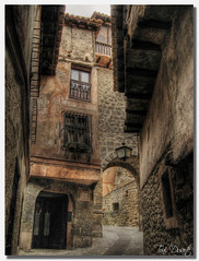 Albarracin (Toni Duarte) Tags: bravo pueblo casas albarracin mywinners platinumphoto thegoldenmermaid toniduarte gettyimagesiberiaq2