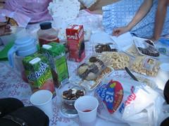 Piquenique (carolinthesky) Tags: comida gothiclolita piquenique sweetlolita