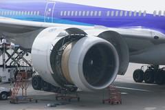 JA703Aの右エンジン