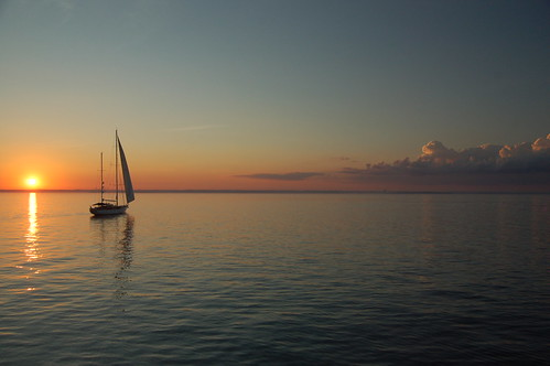 nyc sunset newyork nycpb sailboat longisland gothamist jgny