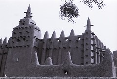 Mosque . Djenne. Mali (courregesg) Tags: africa house terre tradition mali tombouctou habitat djenne bulding afrique mosque architecturetraditionelle